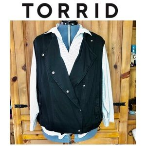 Torrid Black Snap Up Vest With Pockets Size 4X